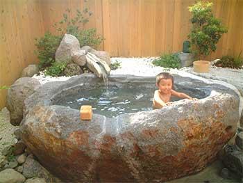 飛騨高山・奥飛騨温泉郷「お宿のざわ」の貸切露天風呂